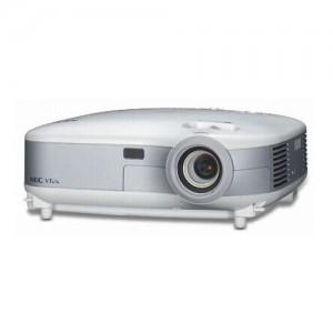 Videoproiector NEC model VT676