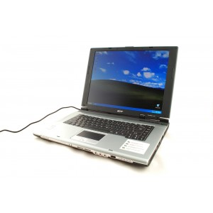 Laptop ACER TRAVELMATE, Intel Celeron 2.7GHz, 1GB DDR, HDD 30GB, COMBO